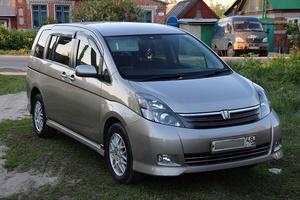 Автомобиль Toyota Isis, отличное состояние, 2007 года выпуска, цена 650 000 руб., Елец