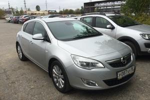 Подержанный автомобиль Opel Astra, отличное состояние, 2011 года выпуска, цена 550 000 руб., Нижневартовск