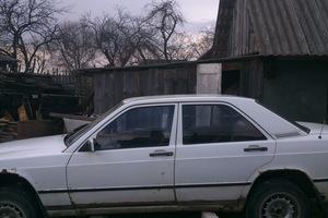 Подержанный автомобиль Mercedes-Benz E-Класс, плохое состояние, 1985 года выпуска, цена 80 000 руб., Смоленск