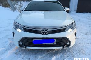 Подержанный автомобиль Toyota Camry, отличное состояние, 2015 года выпуска, цена 1 600 000 руб., Челябинск