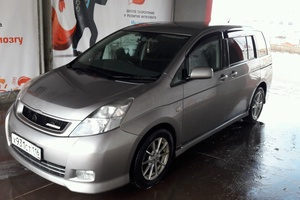 Автомобиль Toyota Isis, отличное состояние, 2004 года выпуска, цена 520 000 руб., Альметьевск