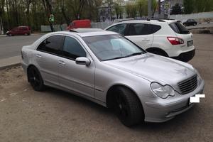 Подержанный автомобиль Mercedes-Benz C-Класс, хорошее состояние, 2004 года выпуска, цена 400 000 руб., Щелково