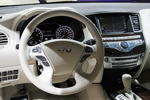 Автомобиль Infiniti JX-Series, отличное состояние, 2013 года выпуска, цена 1 980 000 руб., Санкт-Петербург