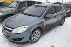 Подержанный автомобиль Opel Astra, отличное состояние, 2011 года выпуска, цена 550 000 руб., Сургут