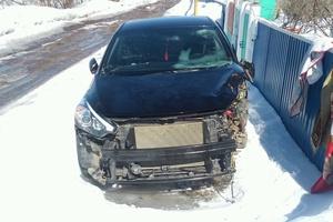 Автомобиль Kia Cerato, битый состояние, 2014 года выпуска, цена 400 000 руб., республика Татарстан