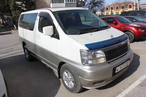 Автомобиль Nissan Elgrand, хорошее состояние, 2001 года выпуска, цена 380 000 руб., Ростов-на-Дону
