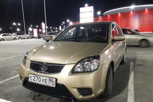 Автомобиль Kia Rio, хорошее состояние, 2010 года выпуска, цена 320 000 руб., Когалым