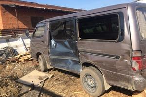 Автомобиль Toyota Hiace, битый состояние, 1991 года выпуска, цена 110 000 руб., Амурская область