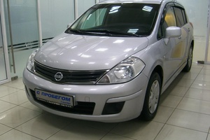 Авто Nissan Tiida, 2011 года выпуска, цена 360 000 руб., Москва
