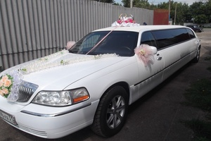 Автомобиль Lincoln Town Car, отличное состояние, 2005 года выпуска, цена 900 000 руб., Москва