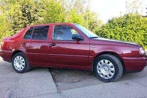 Автомобиль Volkswagen Vento, хорошее состояние, 1992 года выпуска, цена 150 000 руб., Калининград
