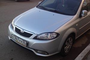 Автомобиль Daewoo Gentra, хорошее состояние, 2013 года выпуска, цена 330 000 руб., Омск