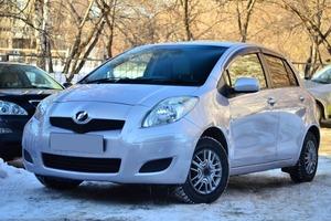 Авто Toyota Vitz, 2008 года выпуска, цена 405 000 руб., Новосибирск