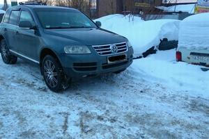Автомобиль Volkswagen Touareg, хорошее состояние, 2003 года выпуска, цена 540 000 руб., Нягань