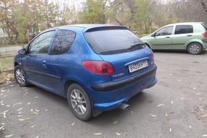 Автомобиль Peugeot 206, хорошее состояние, 2005 года выпуска, цена 150 000 руб., Челябинск