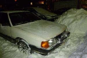 Автомобиль Audi 100, хорошее состояние, 1987 года выпуска, цена 80 000 руб., Мурманск