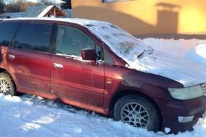 Автомобиль Mitsubishi Chariot, среднее состояние, 1999 года выпуска, цена 150 000 руб., Москва