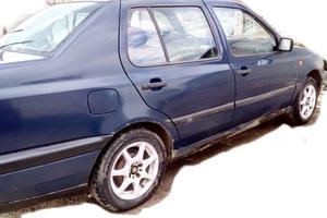 Автомобиль Volkswagen Vento, среднее состояние, 1993 года выпуска, цена 53 000 руб., Орел