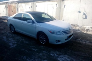 Подержанный автомобиль Toyota Camry, хорошее состояние, 2010 года выпуска, цена 700 000 руб., Челябинск