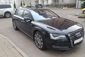 Автомобиль Audi A8, отличное состояние, 2013 года выпуска, цена 2 200 000 руб., Москва