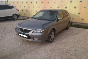 Авто Mazda 323, 2002 года выпуска, цена 195 000 руб., Самара