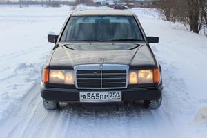 Подержанный автомобиль Mercedes-Benz E-Класс, хорошее состояние, 1992 года выпуска, цена 135 000 руб., Талдом