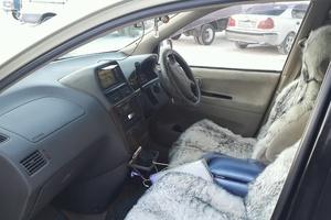 Автомобиль Toyota Ipsum, хорошее состояние, 2001 года выпуска, цена 400 000 руб., Ханты-Мансийск