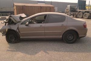 Автомобиль Peugeot 407, битый состояние, 2007 года выпуска, цена 69 000 руб., Нижневартовск