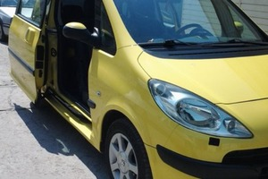 Автомобиль Peugeot 1007, хорошее состояние, 2006 года выпуска, цена 260 000 руб., Старый Оскол