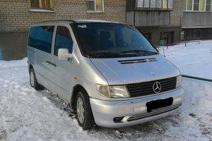 Подержанный автомобиль Mercedes-Benz Vito, среднее состояние, 1999 года выпуска, цена 330 000 руб., Челябинск