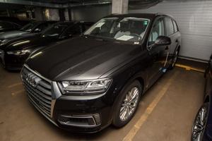 Новый автомобиль Audi Q7, 2017 года выпуска, цена 5 642 470 руб., Москва