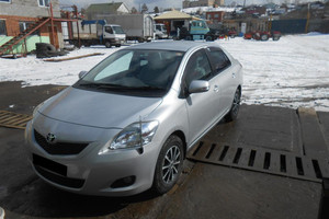 Автомобиль Toyota Belta, отличное состояние, 2009 года выпуска, цена 450 000 руб., Миасс