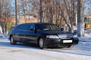 Автомобиль Lincoln Town Car, отличное состояние, 2003 года выпуска, цена 550 000 руб., Москва