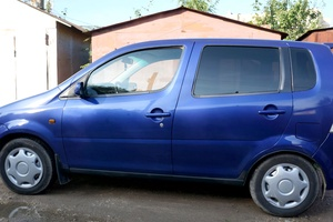 Автомобиль Daihatsu YRV, отличное состояние, 2002 года выпуска, цена 190 000 руб., Калуга