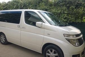 Автомобиль Nissan Elgrand, отличное состояние, 2004 года выпуска, цена 450 000 руб., Краснодар