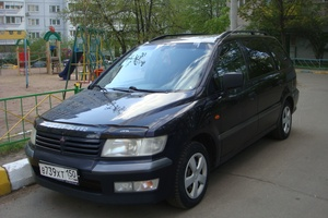 Автомобиль Mitsubishi Space Wagon, хорошее состояние, 2000 года выпуска, цена 280 000 руб., Москва