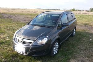 Подержанный автомобиль Opel Zafira, хорошее состояние, 2013 года выпуска, цена 610 000 руб., Челябинская область