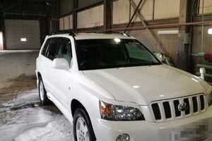 Автомобиль Toyota Kluger, отличное состояние, 2001 года выпуска, цена 650 000 руб., Еврейская атовномная область