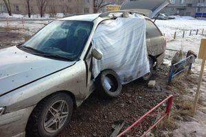 Автомобиль Mazda Capella, битый состояние, 2002 года выпуска, цена 40 000 руб., Курганская область