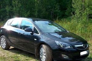 Подержанный автомобиль Opel Astra, отличное состояние, 2011 года выпуска, цена 580 000 руб., Нефтеюганск