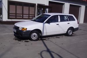Автомобиль Nissan AD, хорошее состояние, 2001 года выпуска, цена 190 000 руб., Новосибирск