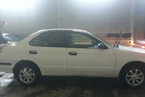 Автомобиль Nissan Sunny, хорошее состояние, 1999 года выпуска, цена 130 000 руб., Новосибирск