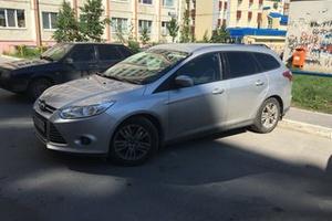 Подержанный Ford Focus, отличное состояние, серебряный , 2012 года выпуска, цена 515 000 руб. в ао. Ханты-Мансийском Автономном округе - Югре