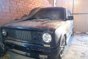 Автомобиль ВАЗ (Lada) 2103, хорошее состояние, 1983 года выпуска, цена 100 000 руб., Челябинск
