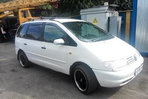 Автомобиль Volkswagen Sharan, среднее состояние, 1999 года выпуска, цена 210 000 руб., Пятигорск
