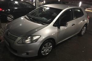 Подержанный автомобиль Toyota Auris, хорошее состояние, 2011 года выпуска, цена 540 000 руб., Казань