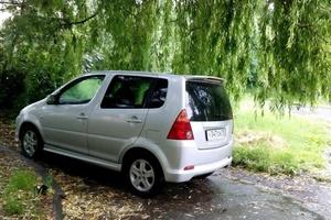 Автомобиль Daihatsu YRV, хорошее состояние, 2000 года выпуска, цена 110 000 руб., республика Северная Осетия - Алания