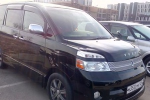 Автомобиль Toyota Voxy, хорошее состояние, 2007 года выпуска, цена 685 000 руб., Иркутская обл Усть-Ордынский Бурятский округ
