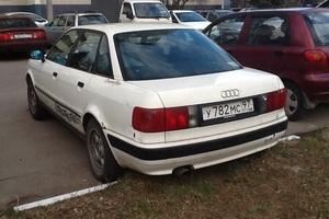 Автомобиль Audi 80, отличное состояние, 1993 года выпуска, цена 65 000 руб., Москва