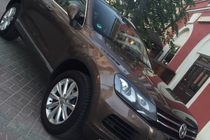 Автомобиль Volkswagen Touareg, отличное состояние, 2011 года выпуска, цена 1 350 000 руб., республика Татарстан